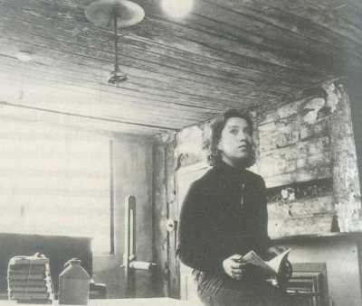 Rachel Lichtenstein nella stanza di Rodinsky